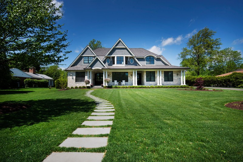 ProfessionaLet a professional home builder help you with your projectl home builder